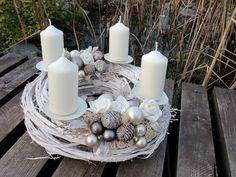 Christmas Advent Wreath, Christmas Lanterns, Christmas Door, Christmas Centerpieces, Rustic Christmas, Xmas Decorations, Christmas Time, Christmas Crafts, Advent Candles