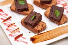 Kks Christmas Cake luxuriated with choco-jam sauce - Kks Christmas Cake is a combo of fruit cake and plum cake served with choco-jam sauce. A perfect dessert to end your Christmas dinner. #Food #FoodPorn #FoodPhotography #Foodie #Foods #Foodstagram #Foodgasm #Foody #Foodies #FoodLover #FoodBlogger #InstaFood #FoodPics #FoodLovers #EatingForTheInsta #FoodLove #Nomnom #FoodPornShare #FoodStyling #Yummy #FoodArt #FoodSpotting #FoodBlogFeed #FoodOfTheDay #Am2PmFood #GourmetsTravelGuide Plum Cake, Cake Servings, Food Pictures, Food Styling, Food Art, Foodies, Nom Nom, Food Photography, Dinner