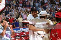Fotografia de notícias : Scott Williams of the Chicago Bulls celebrates...