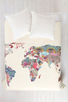 Duvet cover with beautiful world map. Love, love, love.