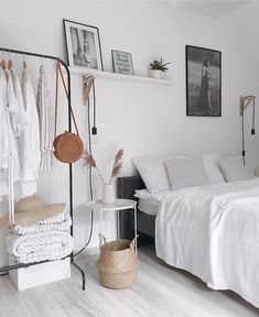 50 Lovely Winter Master Bedroom Decorations Ideas Best For You 50 Lovely Winter Master Bedroom Decor Small Room Bedroom, Trendy Bedroom, Home Decor Bedroom, Modern Bedroom, Master Bedroom, Contemporary Bedroom, Bedroom Red, Bedroom Ideas For Small Rooms For Adults, Diy Bedroom