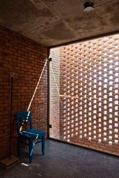 A Creative Brick House Controls the Interior Climate and Looks Amazing Brick Architecture, Contemporary Architecture, Architecture Details, Brick Design, Facade Design, House Design, Brick Works, Brick Interior, Brick Construction