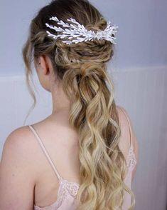 Innovias   Blog de Innovias – Vestidos de novia a precios de fabrica Blog, Fashion, Bridal Hairstyles, Latest Trends, Brides, Moda, Fashion Styles, Blogging, Fashion Illustrations