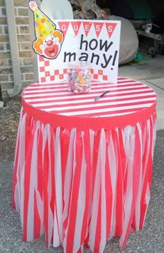 'guess how many' carnival game decor idea ~ but use candy corn Carnival Themed Party, Carnival Birthday Parties, Circus Birthday, Birthday Table, Circus Theme, Kids Carnival, School Carnival, Carnival Ideas, Carnival Game Signs