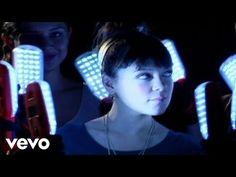 Natalia Lafourcade - Ella Es Bonita - YouTube