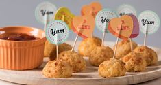 Baked cheese and chicken nuggets by Greek chef Akis Petretzikis. Super crunchy, super delicious, easy croquettes that are baked in the oven instead of fried! Chicken Nugget Recipes, Chicken Nuggets, Baked Cheese, School Snacks, Baby Food Recipes, Party Recipes, Kids Meals, Main Dishes, Baking