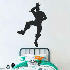 Autocolante fortnite baile take the L. Este adesivo representa a silhueta de uma das personagens do fortnite. É o vinil perfeito para decorar o quarto dos seus filhos e criar um ambiente divertido e engraçado.