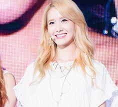 #Yoona #visual #SNSD #live #smile