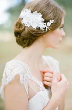 Flexible and versatile, the Lucille lace hair comb can be shaped to the contours of your bridal hairstyle. An exquisite piece to indulge your feminine side. Bridal Comb, Bridal Lace, Bridal Headpieces, Lace Weddings, Wedding Veils, Wedding Lace, Rustic Weddings, Headpiece Wedding, Fancy Hairstyles