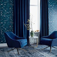Velvet curtains for your tiny living room Blue Gray Bedroom, Blue Bedroom Decor, Blue Home Decor, Blue Rooms, Blue Walls, Tiny Living Rooms, Living Room Sofa, Blue Velvet Curtains, Velvet Curtains Bedroom