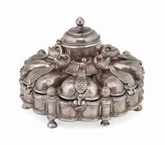 A SILVER SPICE BOX (PANDAN)  MALWA, INDIA, FIRST HALF 19TH CENTURY