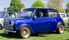 Mini Morris, Mini Copper, Mini Stuff, Fiat 500, Classic Mini, Cars And Motorcycles, Minis, Badass, Honda