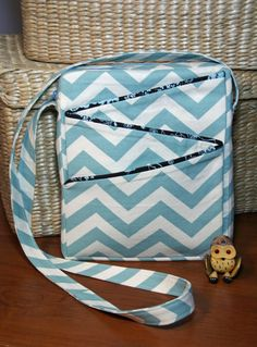 New cross-body purse from Sew Much Cuteness -- the Zigzag Bag -- awesome chevron canvas fabric.