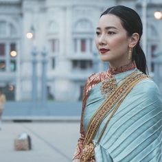 Traditional Thai Clothing, Traditional Fashion, Traditional Dresses, Thailand Art, Thai Fashion, Thai Dress, Gala Dresses, Actors & Actresses, Sari
