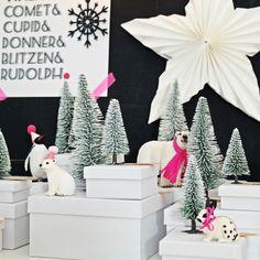 Weihnachts-Idee | DIY - selbstgemachter Adventskalender Winterwunderwald mit Boxen, Schneetannen und Plstiktieren | luzia pimpinella