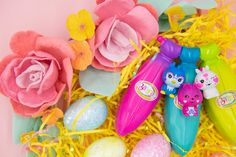 Bright, colorful Bananas Toys with surprise Crushie characters are a great complement to your Easter basket! Go Bananas this Easter! Banana Toy, Go Bananas, Collectible Toys, Party Packs, Easter Baskets, Orange, Yellow, Packing, Miniatures