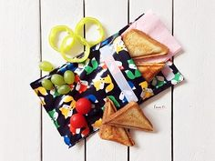 Desiatové vrecká / Snack bags - free pattern Snack Bags, Free Pattern, Cheese, Snacks, Blog, Appetizers, Sewing Patterns Free, Blogging, Treats