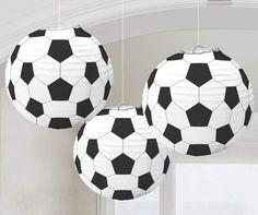 Fußball-Laternen aus Papier.