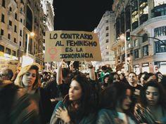 """""""Ni michismi ni fiminismi"""": las pancartas más originales del 8M   Verne EL PAÍS"""