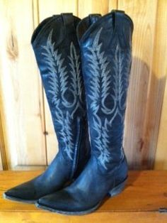 Rivertrail Mercantile - Old Gringo Boots Mayra Black L601-2, $480.00 (http://www.rivertrailmercantile.com/old-gringo-boots-mayra-black-l601-2/)
