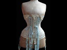 du corset a la guepiere
