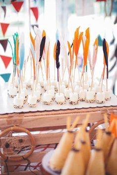 S'mores dipped marshmallows on feather sticks for an indian party. Indian Birthday Parties, Indian Party, Birthday Party Themes, Birthday Ideas, Birthday Appetizers, Brunch Appetizers, Indian Theme, Cowboy Party, Party Set