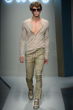 Daks Men's RTW Spring 2015 - Slideshow I'm very like the Boys wear T-Shirt Long hand and Amazing Material..
