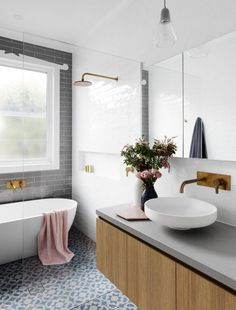 If you need modern bathroom ideas to creat a clean look, you are in the right place. Those looking into modern bathroom ideas will want to strike a balance b. Classic Bathroom, Modern Bathroom, Small Bathroom, Minimal Bathroom, Bathroom Green, White Bathrooms, Laundry In Bathroom, Bathroom Renos, Bathroom Ideas