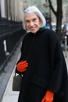 Make that color pop! http://www.buzzfeed.com/angelamv/19-fabulous-style-tips-from-senior-citizens