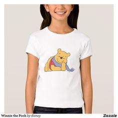 Winnie the Pooh. Producto disponible en tienda Zazzle. Vestuario, moda. Product available in Zazzle store. Fashion wardrobe. Regalos, Gifts. #camiseta #tshirt