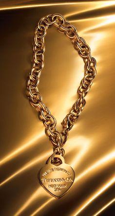 Return to Tiffany® heart tag bracelet in 18k gold.