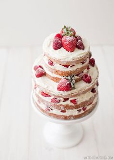 White chocolate cake with strawberries