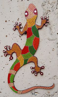 Lizard Gecko Animal mdf painted/ dot art/ handmade/ home decor/Decorative… purchase or more by Mandalaole on Etsy Dot Art Painting, Stone Painting, Mosaic Crafts, Mosaic Art, Art Pierre, Mosaic Animals, Mandala Dots, Button Art, Aboriginal Art