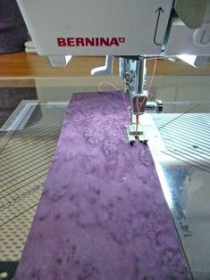 """Tips for sewing super straight seams when piecing long strips. Sew """"Wobble-less"""" seams! #Quilting #Sewing #Tip"""