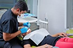 Find the Closest Dental office in Houston TX that offer the Best Dental Care for you open on Saturday. Visit the nearest Emergency Dental Office around you now! Free Dental Clinic, Dentist Clinic, Dentist Near Me, Best Dentist, Dental Health, Dental Care, Dental Fillings, Dentist Appointment, Emergency Dentist