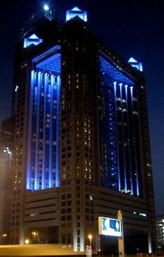 Fairmont Hotel Dubai Facade Lighting, Exterior Lighting, Modern Lighting, Outdoor Lighting, Lighting Design, Fairmont Dubai, Fairmont Hotel, Light Architecture, Architecture Design