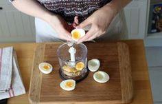 Recette - Oeufs mimosa à la betterave en pas à pas Food And Drink, Kitchen, Deviled Eggs Recipe, Philly Cream Cheese, Cooking Recipes, Salads, Cooking, Kitchens, Cuisine