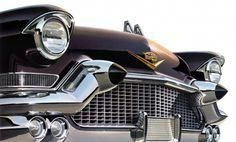 The 1957 Cadillac comes at you with eyes wide open. The iconic circular head lamps and rubber tipped bumper guards front this classic. (via 1957 Cadillac) Motos Vintage, Vintage Ads, Vintage Trucks, Buick, Automobile, Assurance Auto, Volkswagen New Beetle, Volkswagen Golf, Volkswagen Phaeton