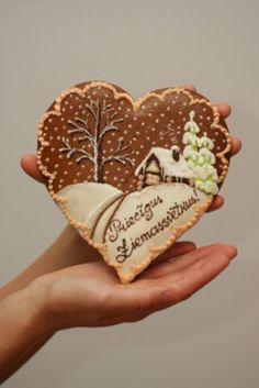 Piparkuku sirds (Latvian Christmas cookies)
