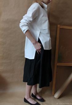 Рубашка женская, с разрезами по бокам. Хлопок – купить на Ярмарке Мастеров – FCG73RU | Блузки, Санкт-Петербург Classic White Shirt, White Shirts Women, Flower Embroidery Designs, Hijab Outfit, Muslim Fashion, Simple Dresses, Diy Clothes, Shirt Blouses, Dressing