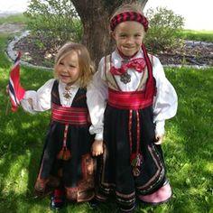 Hurra for 17.mai! #almankas #almankås #mintelemarksbunad #beltestakk #bøstakk #telemarksbunad #telemark #17maiantrekk #17mai #bøitelemark #bunadsjenter #bunad #arv #tradisjon #heritage #nasjonaldrakt #nasjonaldag #traditional #norwegianmade #håndverk #håndlaget #norskprodusert Kids Around The World, Norway, Costumes, Instagram Posts, Barn, Clothes, Image, Dresses, Travel