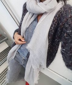 @imyfofficial in love...😍😍 especially with this knit..# imyfamous #kirobykim #handmadeinrotterdam #chunkycardigan #chunkyknits #fashionknit