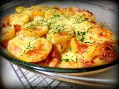 dsc04343 Backyard Patio Designs, Kielbasa, Potato Salad, Cauliflower, Mashed Potatoes, Casserole, Food And Drink, Lunch, Meat