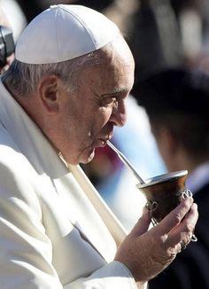 Resultado de imagen para papa francisco mate