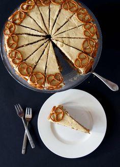 Salted Caramel-Cookie Dough-Torte von Toertchenfieber