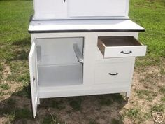 You are bidding on a white hoosier type kitchen cabinet with an enamel top in great condition. If you are looking for a kitchen cabinet of this type, very popular today, this is the one for you becau Vintage Enamelware, White Enamel, Vintage Kitchen, Kitchen Cabinets, Popular, Type, Antiques, Furniture, Home Decor
