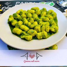 Vieni a #genova e poi...ti mangi un piatto di #gnocchi al pesto!🍃 Se poi vai a # Gnocchi, Pesto, Cauliflower, Vegetables, Food, Gourmet, Cauliflowers, Essen, Vegetable Recipes