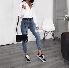 Outfits casuales con tenis – Moda y Estilo - Bestworld Tutorial and Ideas Mode Outfits, Jean Outfits, Trendy Outfits, Classic Outfits, Look Fashion, 90s Fashion, Fashion Outfits, Womens Fashion, Trendy Fashion