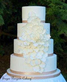 Gilded Petal Cake - Cake by Ivone - Sugar Penguin Cakery