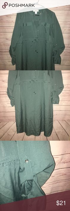 Motherhood Maternity Dress Motherhood maternity green dress in a size medium. Ties in the front and has two pockets in the front. Also has buttons in the front. Motherhood Dresses Midi